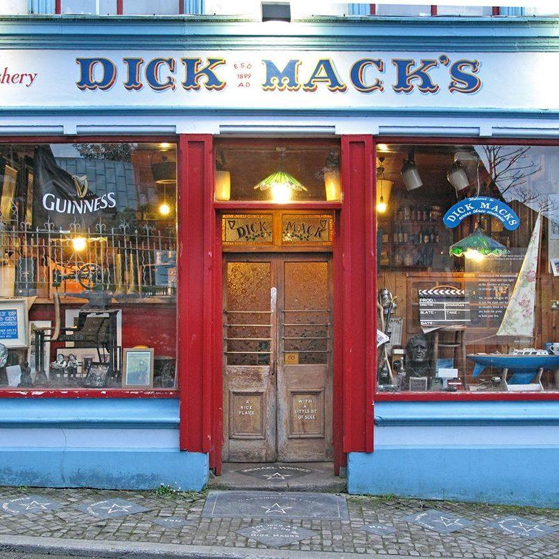 dick-macks-pub-front-01